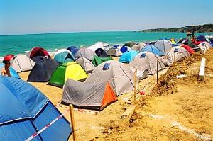 obóz pod namiotami