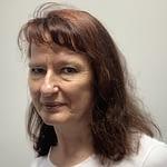 Ewa PiotrowskaProjekt KolejkoskopEwa, razem z Anią i Elą zajmuje się projektem Kolejkoskop.pl. Każdego dnia dzwoni do placówek onkologicznych i zdobywa rzetelne informacje o terminach zapisów na badania w ramach NFZ.