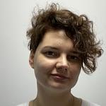 Magdalena SulikowskaSpecjalistka ds. relacji zewnętrznych Dzięki jej pracy informacje o programach dla chorych, projektach, działaniach na rzecz pacjentów oraz interwencjach Fundacji docierają do milionów odbiorców w całej Polsce i za granicą.