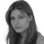 Absolwentka medycyny na Warszawskim Uniwersytecie Medycznym, w trakcie specjalizacji z patomorfologii. Interesuje się neurologią i onkologią.